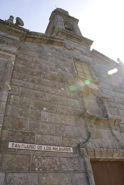 Fachada del Santuario de los Milagros