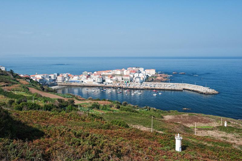 Vista del puerto de Caión